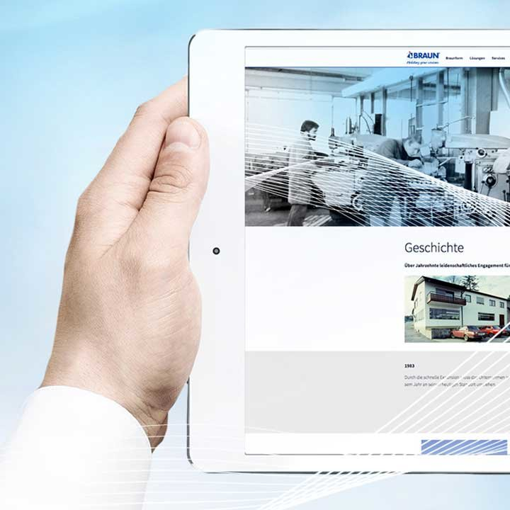 Tablet showing Braunform website | © Braunform GmbH